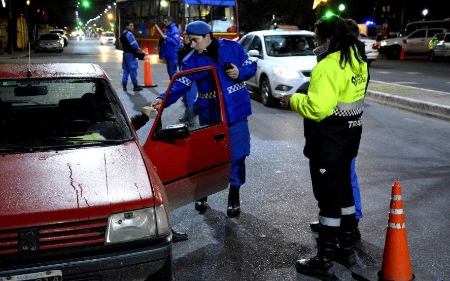 Por el aumento de las naftas, las multas por faltas graves al conducir ya superan los 60 mil pesos