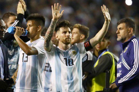 con messi y sin icardi: argentina ya tiene los convocados del futbol del exterior para el debut en la bombonera