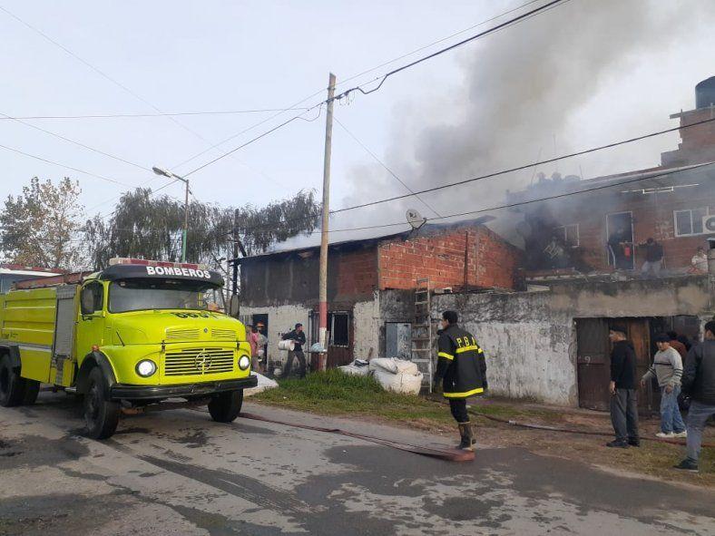 Tensión por un incendio que habría sido provocado por un joven al que denunciaron por robos