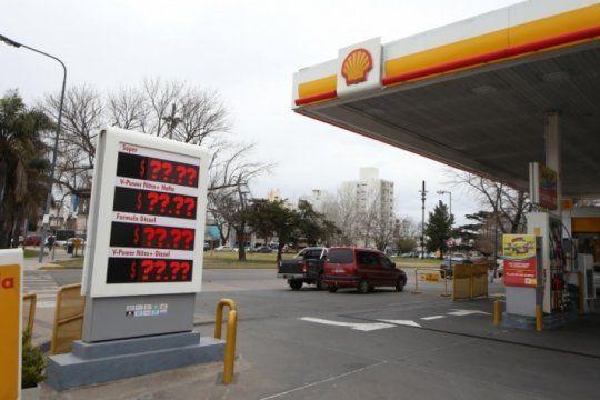 el jueves aumentan los combustibles y sera el fin de un ?congelamiento? que no fue