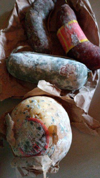 Así entregaron los salamines en la caja navideña de Zárate.