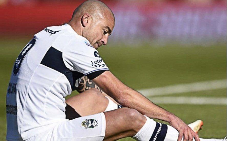 Santiago Silva suspendido por doping positivo en Gimnasia