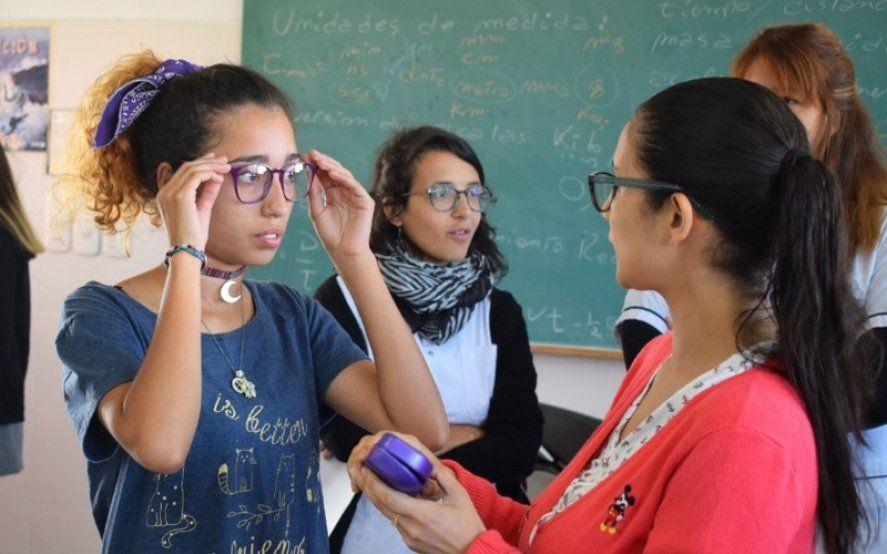 Salud visual: ¿Cómo acceder a los anteojos gratis que ofrece la UNLP?