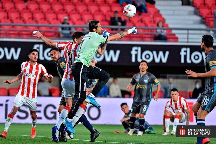 Estudiantes no pudo con Atlético en UNO.