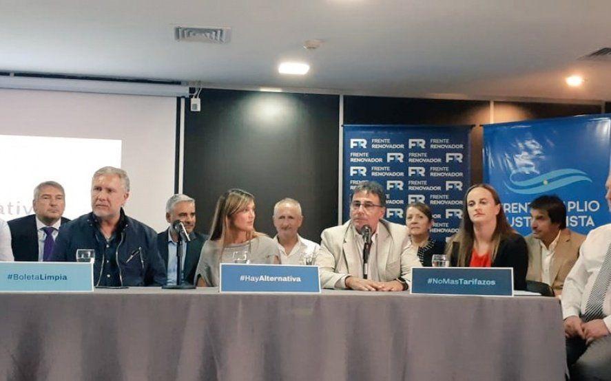 Operativo clamor de legisladores provinciales a favor de la candidatura presidencial de Massa