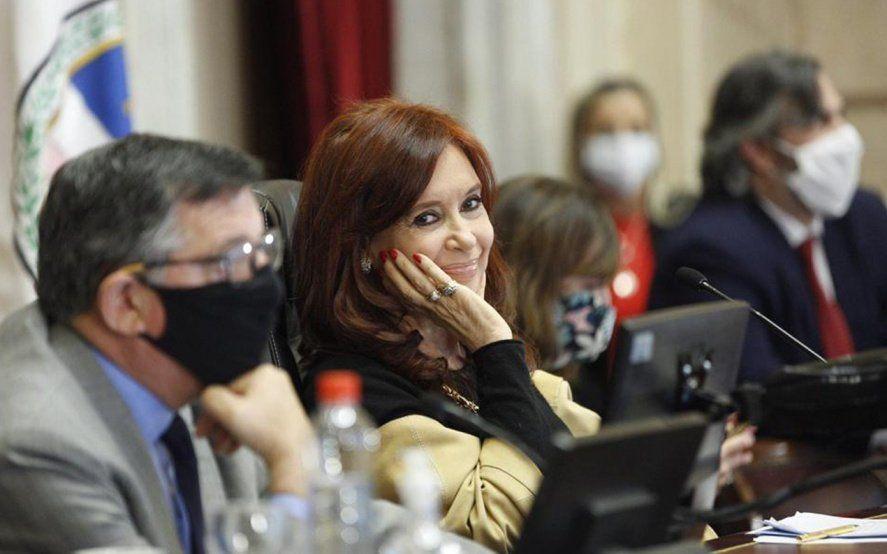 Cristina le marcó la cancha a Duhalde y le recordó a Macri quién gobernó por decreto