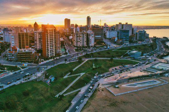 Una mujer de 64 años debió ser derivada por no conseguir cama de terapia intensiva en Mar del Plata.