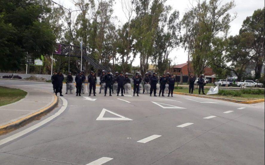 Represión policial tras una protesta en la autopista