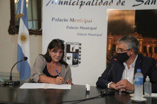 Teresa García firmó el COU en San Andrés de Giles: