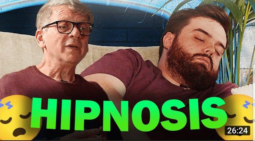 El influencer español Ibai Llanos presentó al hipnotizador platense Daniel Marmor quien lo durmió y lo bautizó chimichurri