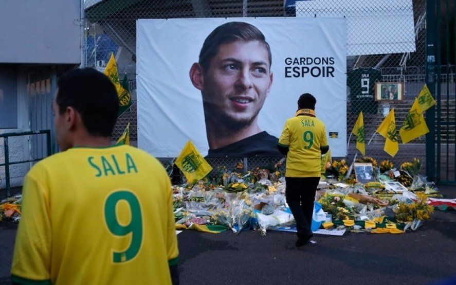 Encontraron un cuerpo dentro del avión en el que viajaba Emiliano Sala: investigan si se trata del futbolista