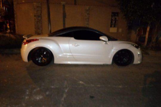 El auto de Alan Bravo que los delincuentes no pudieron manejar