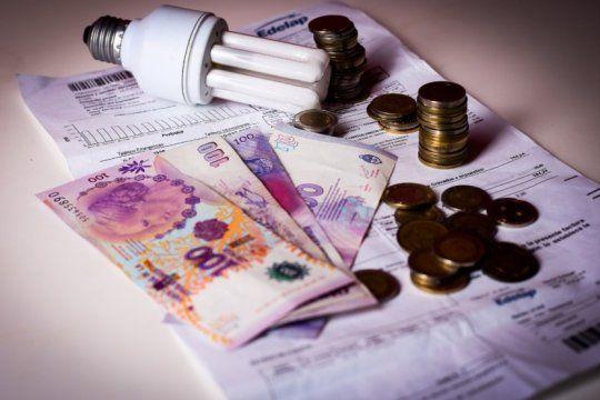la provincia exige a las empresas de energia revisar la facturacion a usuarios