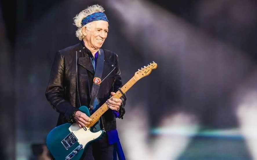 El guiño de Richard: Mirá la foto de fanáticos argentinos que posteó el guitarrista de los Rolling Stones luego de un show
