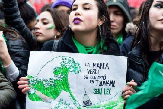 grito global por el aborto legal: la marea verde vuelve a marchar del congreso a la casa rosada