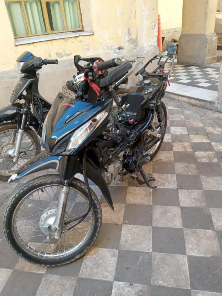 Así quedó la moto del delincuente detenido en La Plata