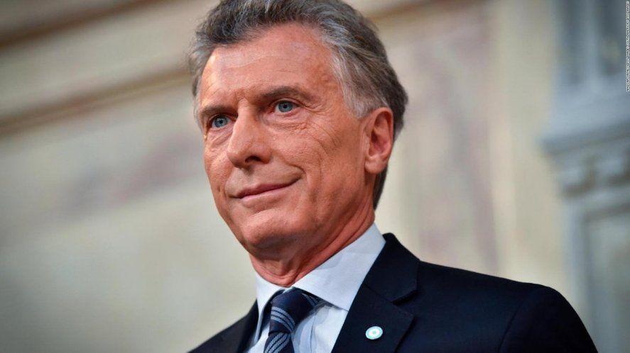 Macri debió ser intervenido por un tumor benigno en el intestino.