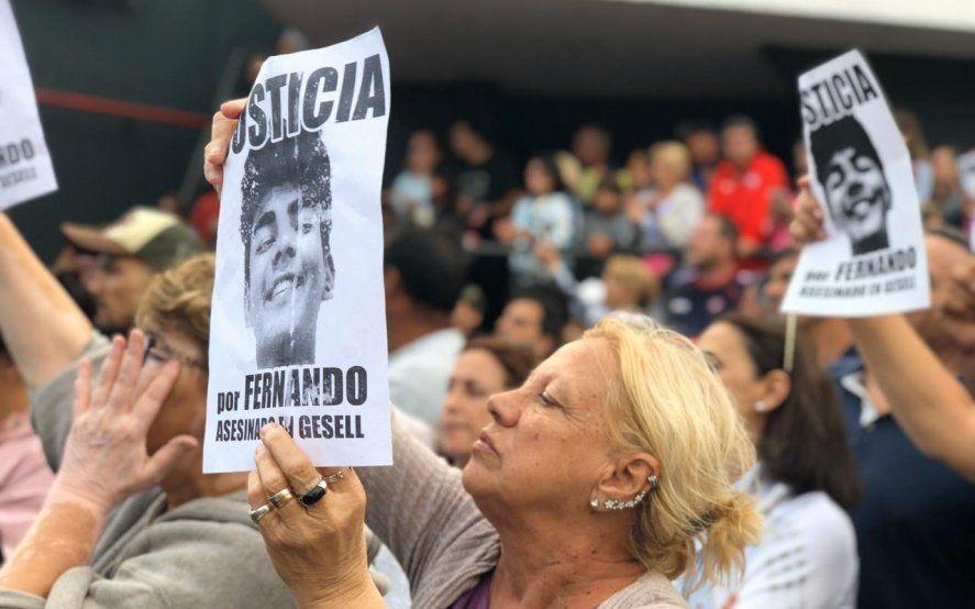 A un mes del crimen de Fernando: masiva marcha y pedido de explicaciones a Barrera