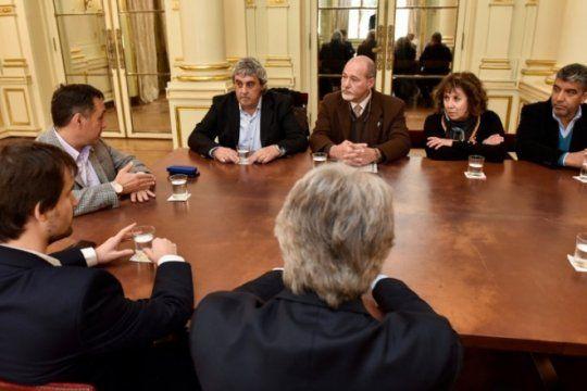 en encuentro con gremios, nacion anuncio la continuidad del fondo de incentivo docente