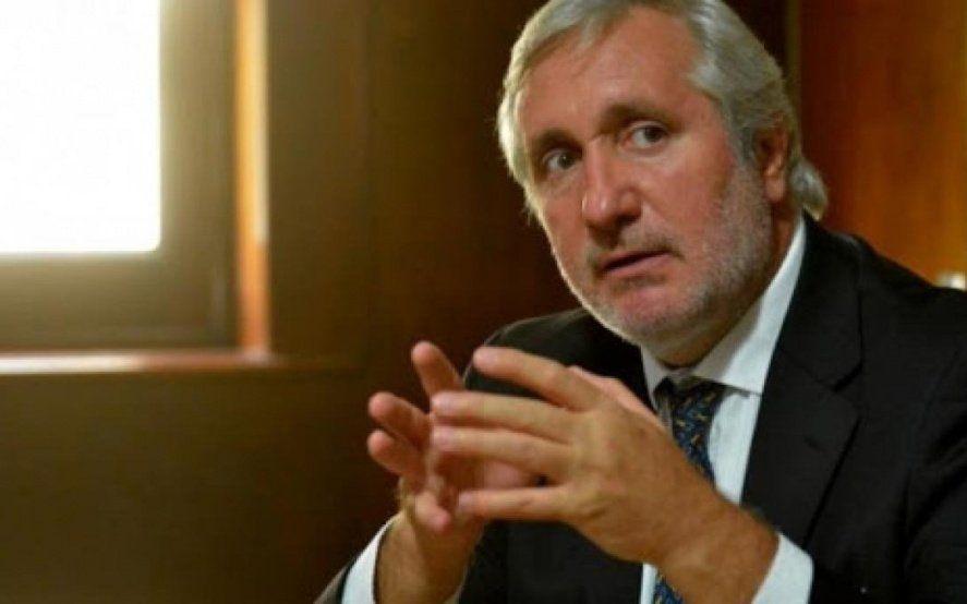Denuncian al Procurador Conte Grand como un operador clave del espionaje ilegal