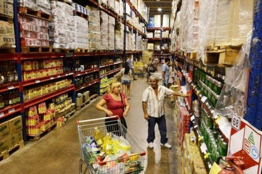 los precios mayoristas subieron 4,6% en abril y ya superan el 72% en un ano