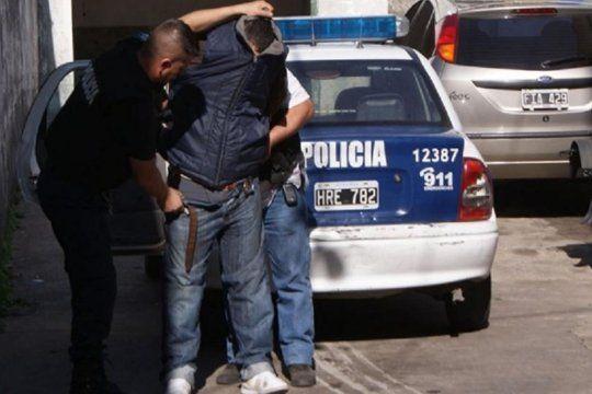 Cayó un policía acusado de robar droga de operativos