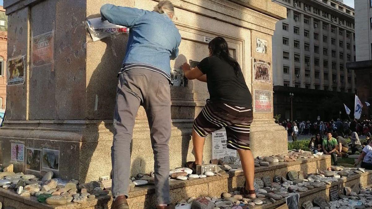 De Pedro se sumó al repudio del ataque al memorial de las víctimas de COVID-19 que se precipitó durante la marcha del Día de la Lealtad en Plaza de Mayo