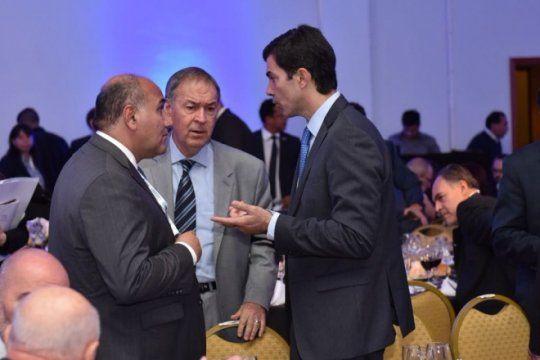 schiaretti presiona a macri: quiere que larreta y vidal se hagan cargo de aysa y los subsidios a la luz