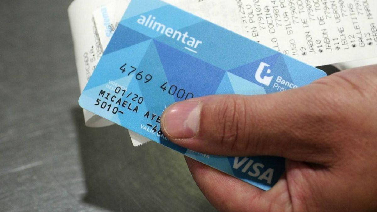 Desde noviembre, la Tarjeta Alimentar se pagará junto a la AUH.