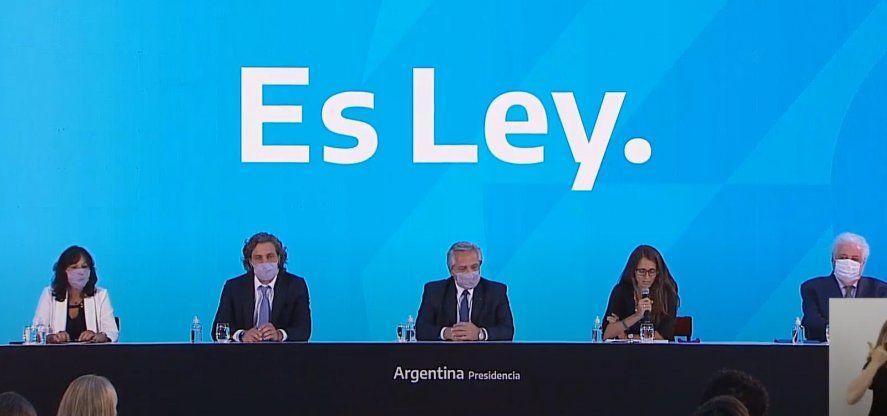 Alberto Fernández presentó la ley del aborto legal.