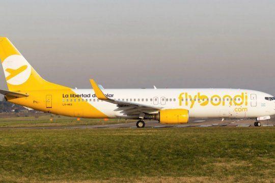 un avion de flybondi con fallas genero la cancelacion de ocho vuelos y malestar en sus pasajeros
