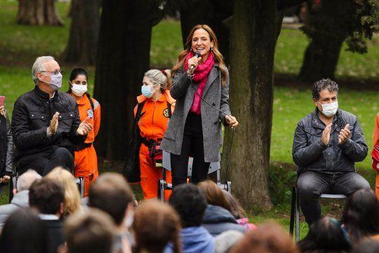 Victoria Tolosa Paz encabezó un acto de campaña en el bosque de La Plata.