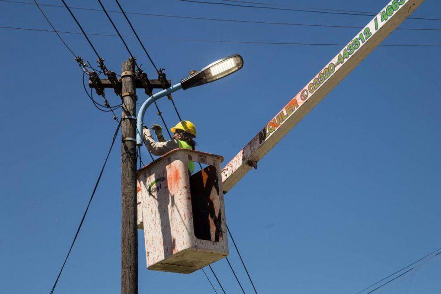 En Quilmes instalan luces Led para triplicar el alumbrado actual