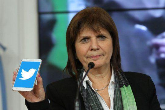 Macri, Bullrich, por Twitter tratan de manejar a los intendentes de la Provincia, acusó Kicillof.