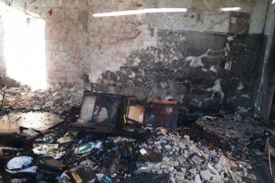 maleducados: confirman que fue intencional el incendio en un jardin de infantes publico de city bell