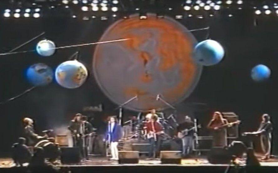 """Cumbre del rock: el día que Spinetta, Cerati, Fito y Bosio cantaron juntos """"Seguir viviendo sin tu amor"""""""