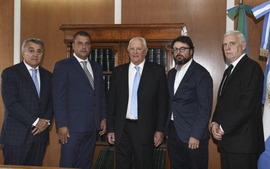 """Acuerdo en el Tribunal de Cuentas para designar secretarios """"políticos"""""""