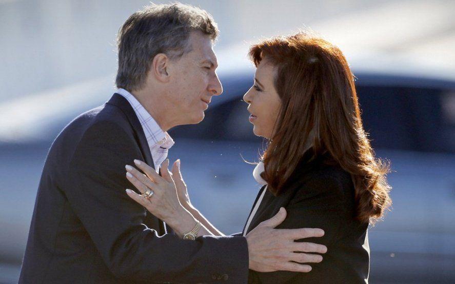Se los tragó la grieta: un 58% de los argentinos no votaría ni por Macri ni por Cristina