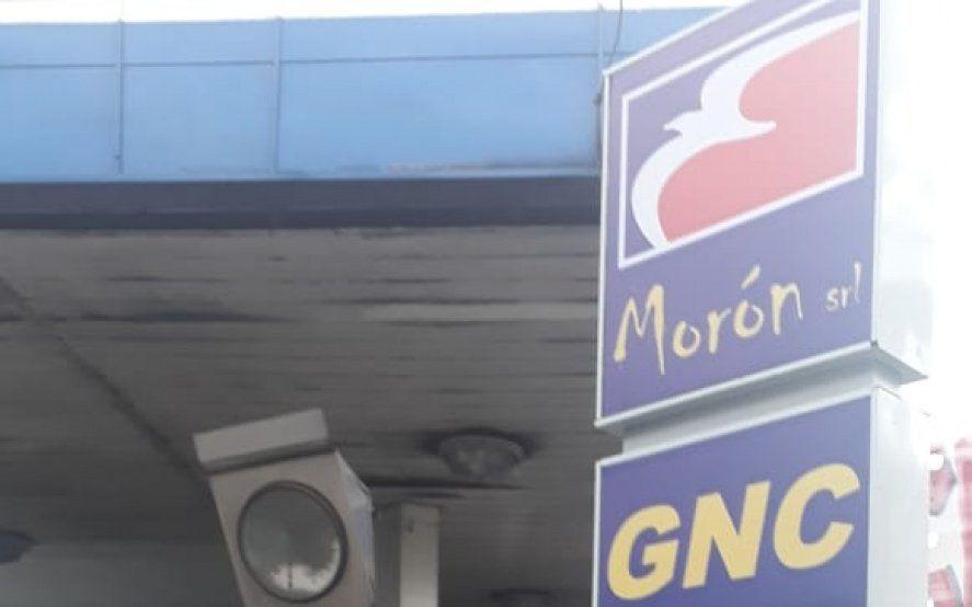 Se incendió una estación de GNC por la explosión de una camioneta que cargaba combustible