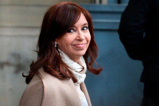 La titular de la AFIP amplió este lunes ladenuncia por hostigamiento fiscal a la vicepresidenta CristinaFernández de Kirchner por parte del organismo en el gobierno macrista