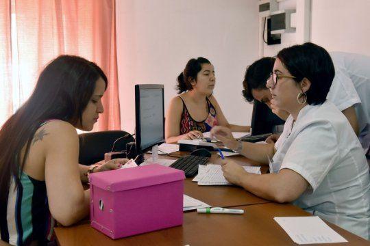 lactancia materna y preparto: brindaran talleres gratuitos en el centro integral para la mujer de la plata