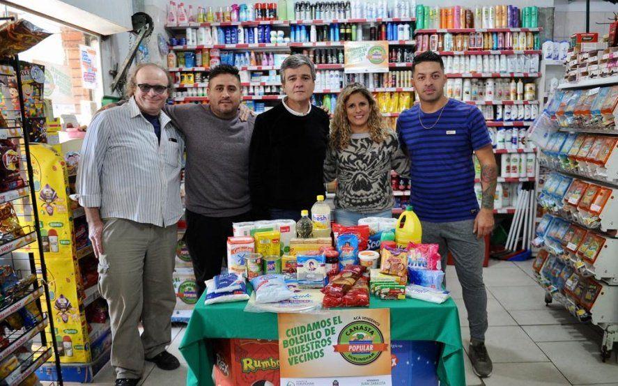 """Hurlingham: Zabaleta lanzó una """"canasta popular"""" que se podrá conseguir en supermercados de barrio"""