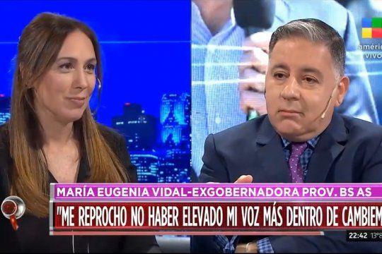Las caras lo dicen todo. Un Fabián Doman subyugado por María Eugenia Vidal que representa el amor confeso que los periodistas de TV le tienen a La Leona