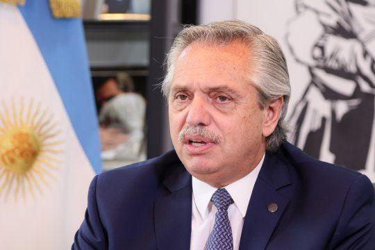 Alberto Fernández encabeza un acto junto a la CGT y la CTA