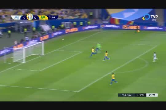 Ángel Di Maria y un golazo en la final de Argentina ante Brasil