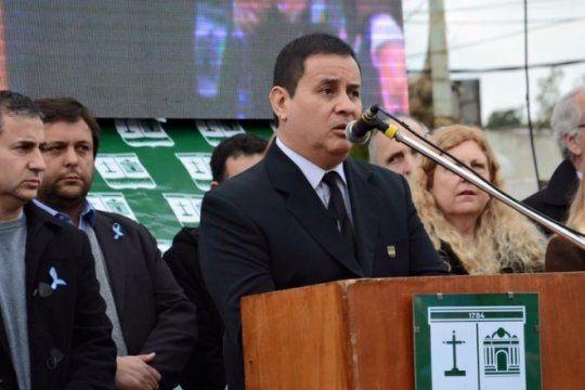 san vicente: gomez resiste la orden de macri y no desplaza a sus familiares del gobierno
