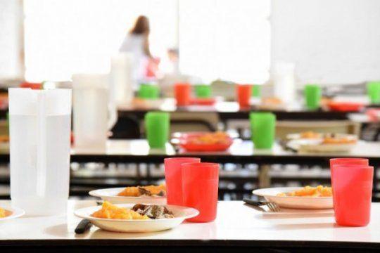 kicillof brinda detalles del aumento de los comedores escolares y el pago a docentes suplentes