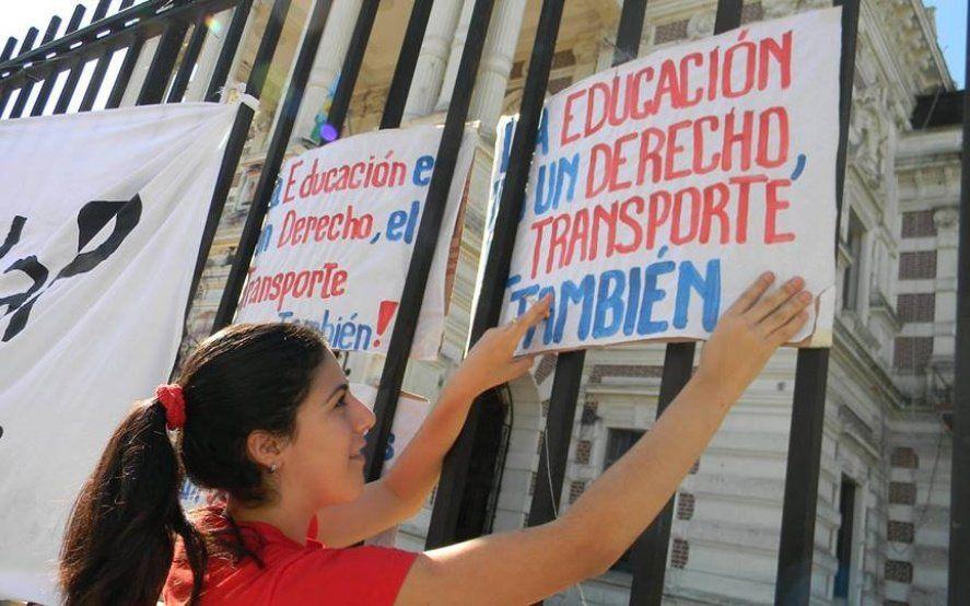 La FULP salió a la calle: universitarios exigen el aumento efectivo del Boleto Educativo Gratuito
