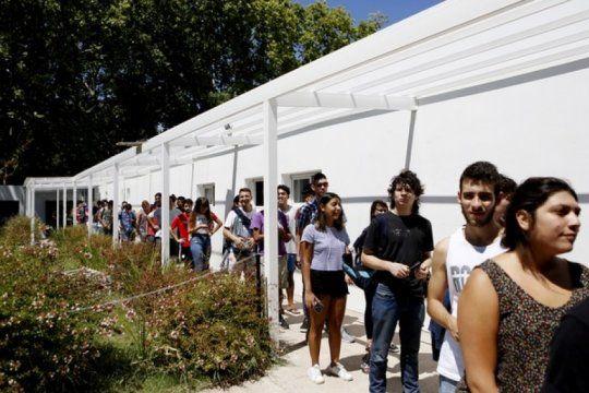 almuerzo y cena a precios populares: arranca hoy la venta de tickets para el comedor de la unlp