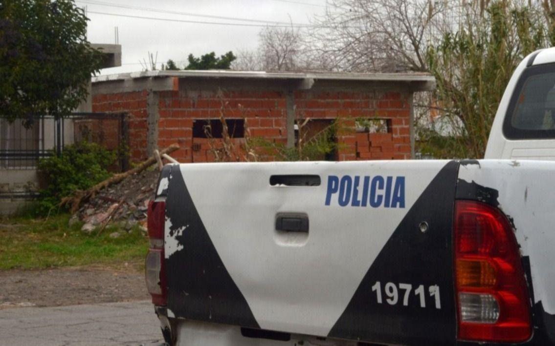 La víctima fue hallada en las calles 27 entre 152 y 153, de Berisso